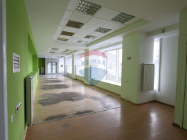 Spațiu comercial 256 mp utili ideal showroom, reprezentanta