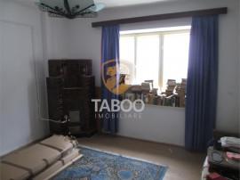 Apartament cu 2 camere decomandate de inchiriat in Sebes