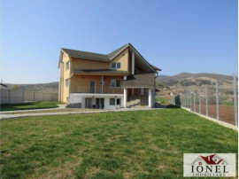 Casa noua situata in Alba Iulia - Micesti 1640 mp teren