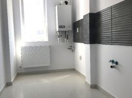Apartament 3 camere decomdat,lift,etaj intermediar,Chiajna