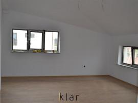 Apartament pe doua nivele in bloc mic zona Romul Ladea