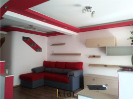 Apartament spatios, 3 camere, 2 bai, zona Florilor, Floresti