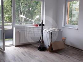 Apartament cu trei camere in zona linistita, ideal pentru...