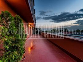 Apartament 2 camere cu terasa, loc de parcare si boxa