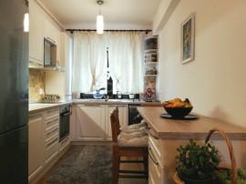 Apartament 4 camere in Europa
