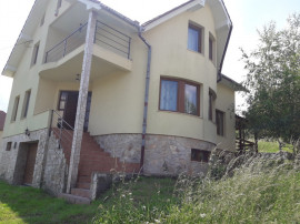 Vila noua, moderna,ultrafinisata, cu 29 ari teren.