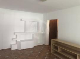 Apartament 4 camere spatios, luminos în zona Racadau