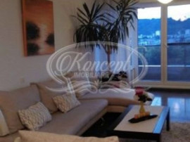 Apartament 3 camere in zona Parcul Rozelor