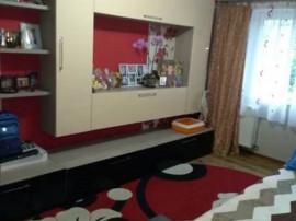 Apartament 3 camere dec renovat Astra-Berzei, 105HA