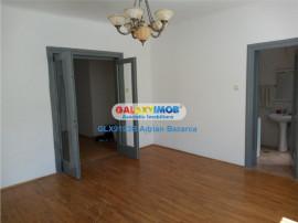 Apartament cu 3 camere receptie, zona Mosilor-Fainari