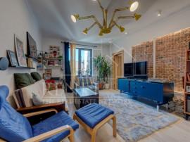 Apartament elegant in vila si garsoniera la mansarda, Pache