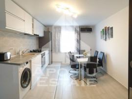 Apartament 2 camere , decomandat , lux