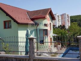 Casă cu 5 camere 240 mp de vânzare în Manastur, zona C...