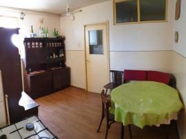 E/1213 Apartament cu 4 camere în Tg Mureș - Semicentral