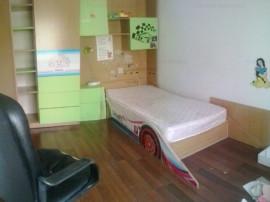 Langa Universitate, apartament cu trei camere, mobilat