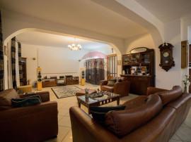 Casă / Vilă cu 5 camere de vânzare în zona Aradul Nou