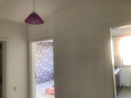 Apartament cu 2 camere, decomandat, gata de mutat!