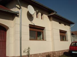 Casa 2 corpuri +teren 2335mp ideala pensiune canal apa Deva