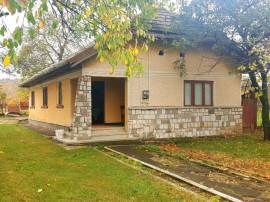 Casa in Brebu,ultracentral,caramida,3 camere,teren 3249 mp !