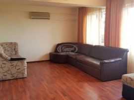 Apartament cu 3 camere 112 mp utili si 3 locuri de parcare