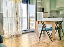 Propietar, Apartament 2 camere primul rand la lac ,zona Vega