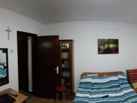 Apartament trei decomandate, doua balcoane, in Cornisa
