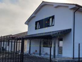 1/2 Duplex - 2 Fronturi, 5 Camere, Giarmata Vii