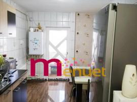 Apartament 3 camere,zona Peco