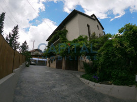 Inchiriere vila deosebita in zona rezidentiala, parcari incl