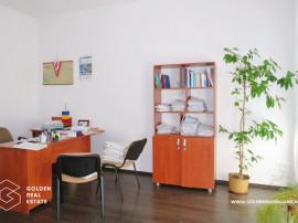 Spatiu birouri, 2 camere, Centru, renovat recent, etajul 1