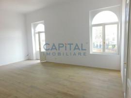 Apartament cu 3 camere semidecomandat in Piata Mihai Viteazu