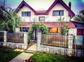 Vilă noua in localitatea Șiria 4 camere ,centrală cu g...