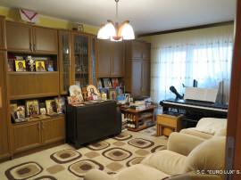 Apartament 3 camere amenajat Micalaca - Zona 300