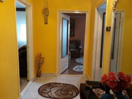 Apartament 3 camere Foarte Spatios Buzaului etaj 1