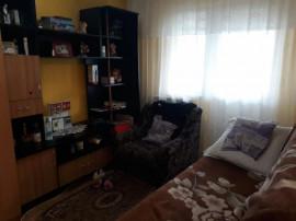 Apartament 3 camere,zona Buzaului,etaj 1,id 13545