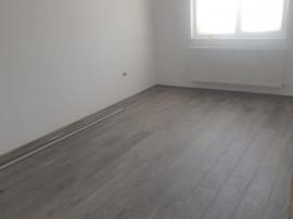Apartament 4 camere in duplex , Cartierul Izvor/ Tarlungeni