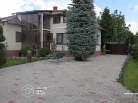 Casa frumoasa cu gradina 1058 mp, Macea