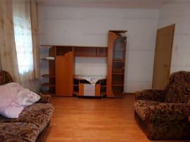 Zona Racadau, 2 camere decomandat, etaj 1