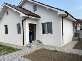 Casa -- NAVODARI LUX