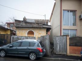 Teren 135 mp cu casa batraneasca zona Delfinului / Ostrov /