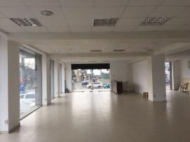 Bucurestii-Noi, sp com situat la parterul unui imobil nou...
