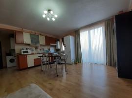 Apart.3 camere, balcon 10 mp, etaj 3 zona Eroilor