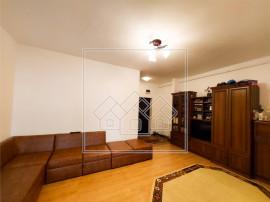 Apartament 3 camere, etaj intermediar, lift, terasa mare - S