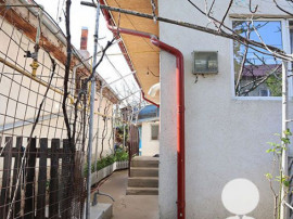 Casa cu mansarda -zona Radu Negru