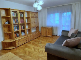Apartament 3 camere, debara, pivnita, central, Sibiu