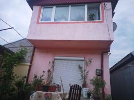 Casa cu 4 camere in zona Chercea