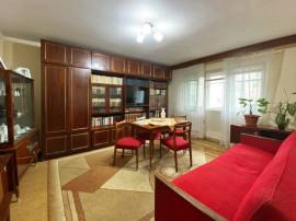Apartament cu 3 camere - Sovata - Decomandat.
