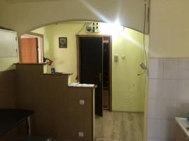 COLOSSEUM: Garsoniera, decomandata - zona Racadau