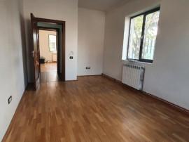 Apartament cu 2 camere , pretabil spatiu de birouri-13 dec.
