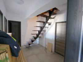 Penthouse 3 camere/ mansarda 40mp